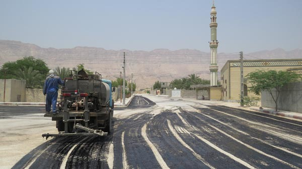 آسفالت کشی و قیر پاشی خیابان8 منطقه ویژه روستای بندو